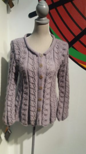 Leaf pattern cardigan